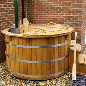 Siberian Larch/Spruce Hot Tub: Luxury at your doorstep!